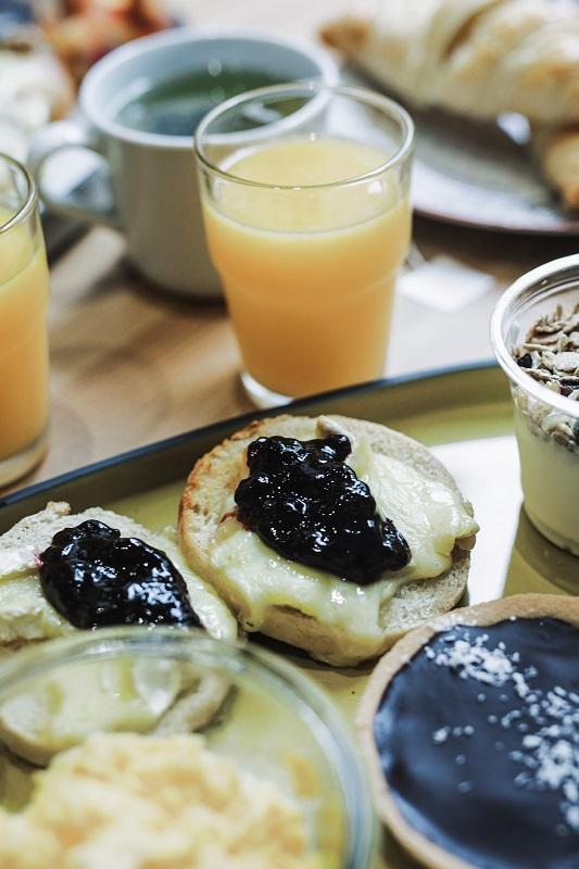 Eggs Aequo Bonne Adresse Lyon 6 Brunch Lovers muffin brie confiture jus d'orange pressée